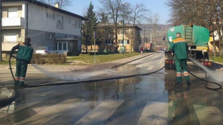 Čišćenje i pranje ulica i trotoara