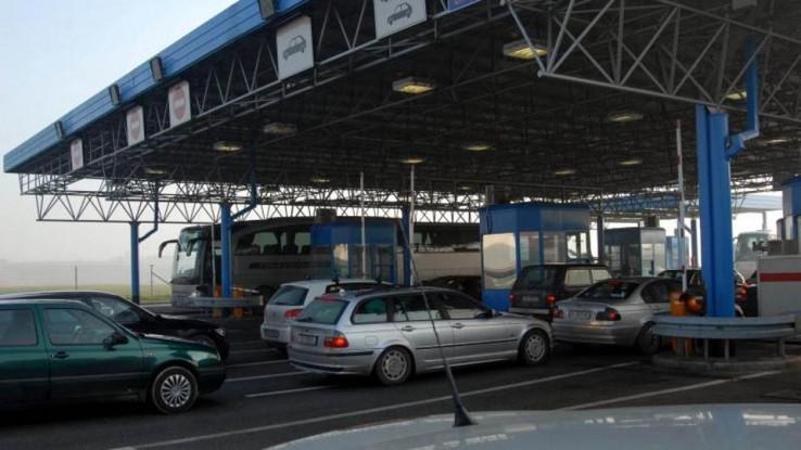 Na Graničnom prijelazu Brčko pustio u BiH troje putnika koji su došli iz Hrvatske