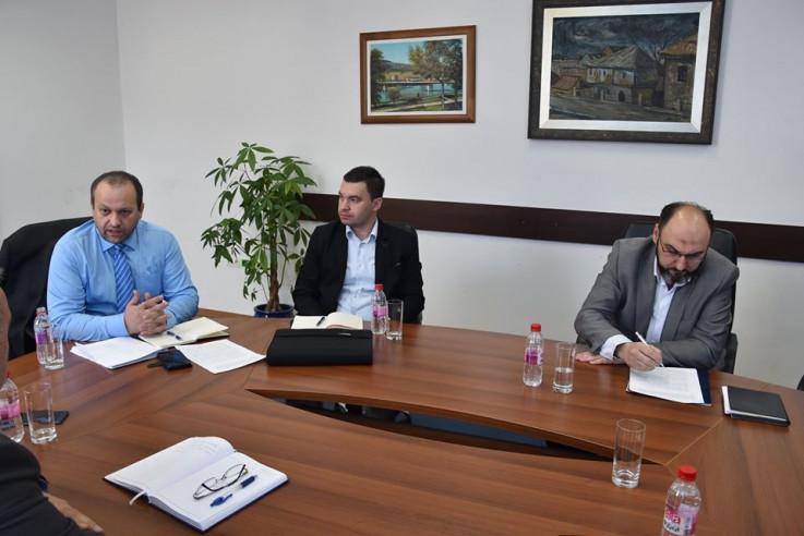 Sastanak u Vladi KS