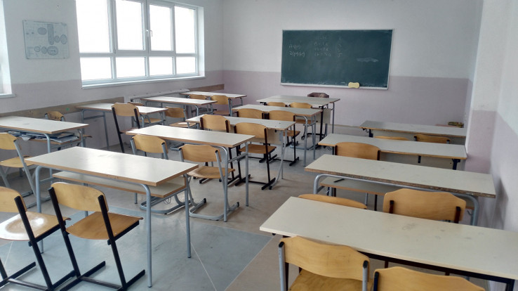 Širom svijeta su prazne učionice,  učenici imaju online nastavu