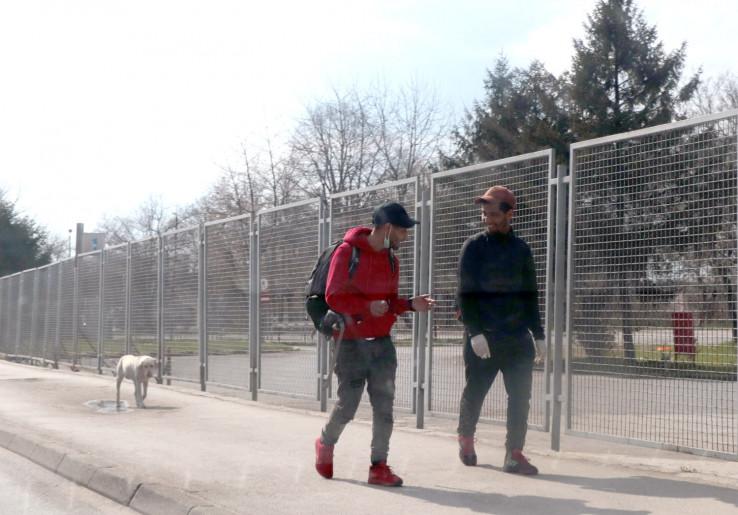 Migranti slobodno šetaju