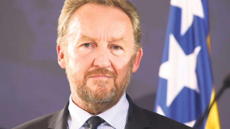 Izetbegović pozvao na umanjenje plaća na svim nivoima vlasti i u javnom sektoru