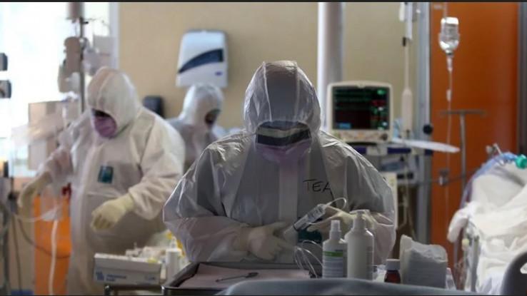 Sjeća se da je medicinsko osoblje bilo potpuno prekriveno