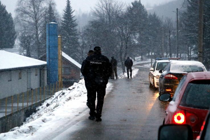 Policija na mjestu ubistva u Ramićima