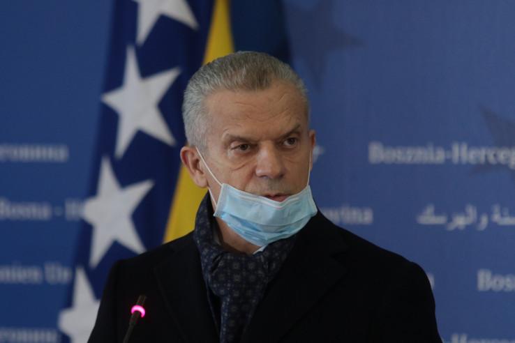 Predsjedavajući Vijeća ministara i članovi Vijeća zahvalili su ovom prilikom ministru Radončiću