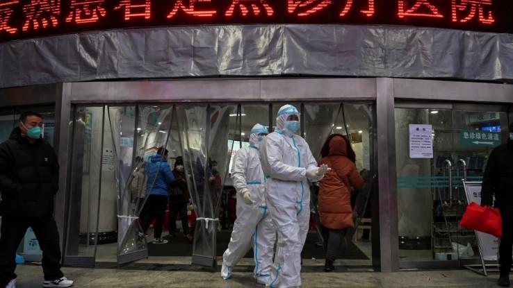 Od zaraze virusom umrle  3.322 osobe