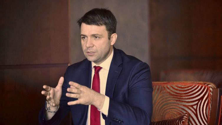 Makarević: Tri osobe sada dobro