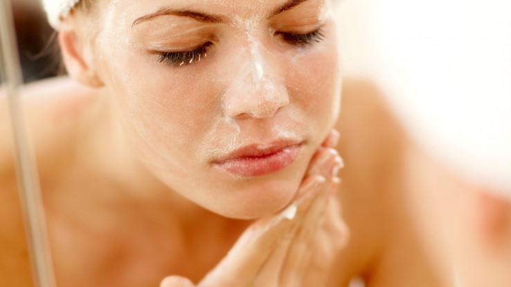 Za pranje lica koristite blaga sredstva