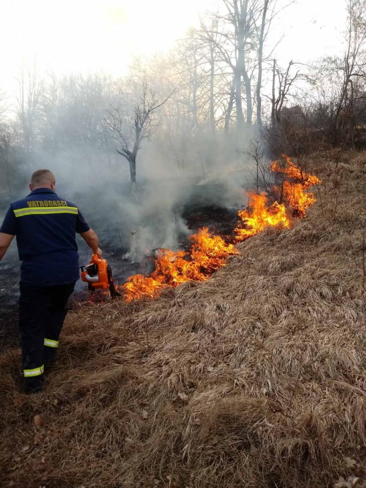 Aktivno još desetak požara u Hercegovini