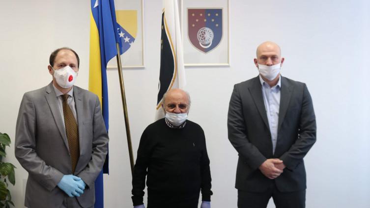 Nenadić i Alikadić s Fincijem: Svim Jevrejima čestitali Pesah