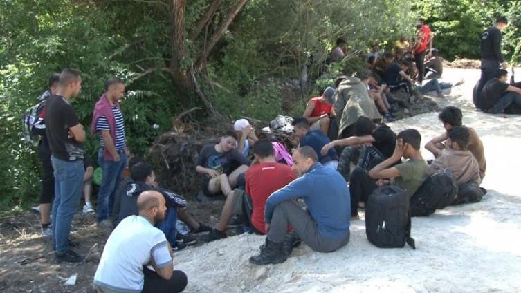 Migrantima obećali da će ih prevesti u Sloveniju