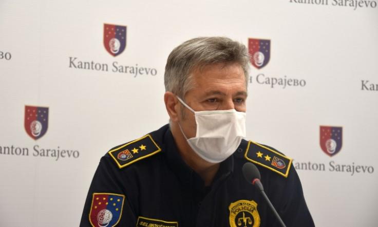 Selimović: policija će i dalje vršiti kontrolu nošenja maske i rukavica
