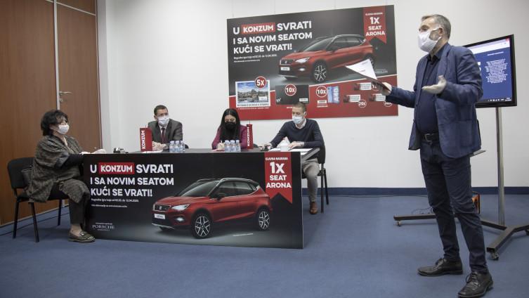 U Konzumovoj nagradnoj igri Enis Halilović osvojio automobil Seat Arona