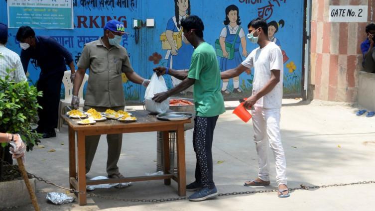 Red za hranu u indijskom Nju Delhiju