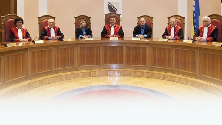 Ustavni sud Bosne i Hercegovine sastoji se od devet članova