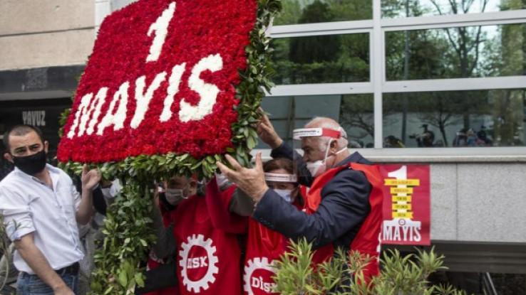 Demonstranti su izašli sa zaštitnim maskama, ali nisu poštovali pravila odstojanja