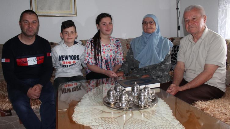 Porodica Dizdarević: Danju uče mukabele