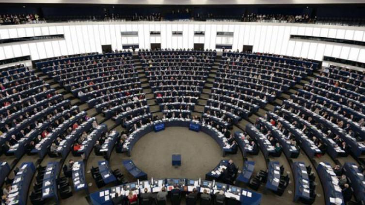 Potvrditi privrženost vladavini prava, demokratiji i nastavku provođenja reformi