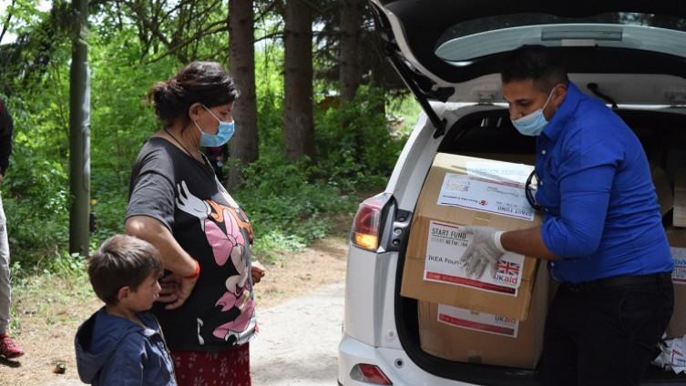 Distribucija pomoći u saradnji sa lokalnim udruženjima, te centrima za socijalni rad