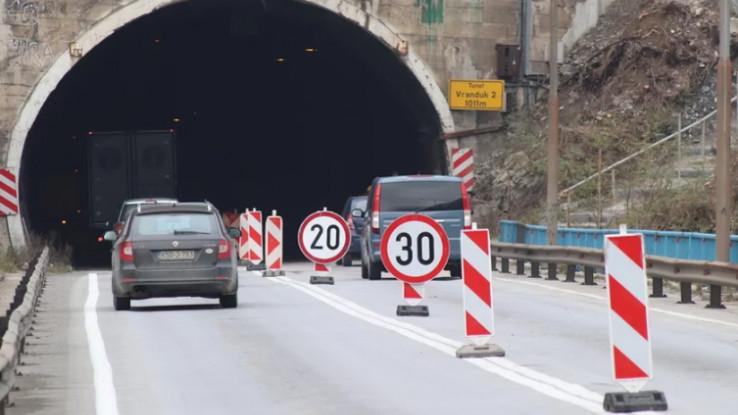 Na magistralnom putu Zenica-Nemila (kroz tunel Vranduk) od 5 do 21 sati saobraća se dvosmjerno