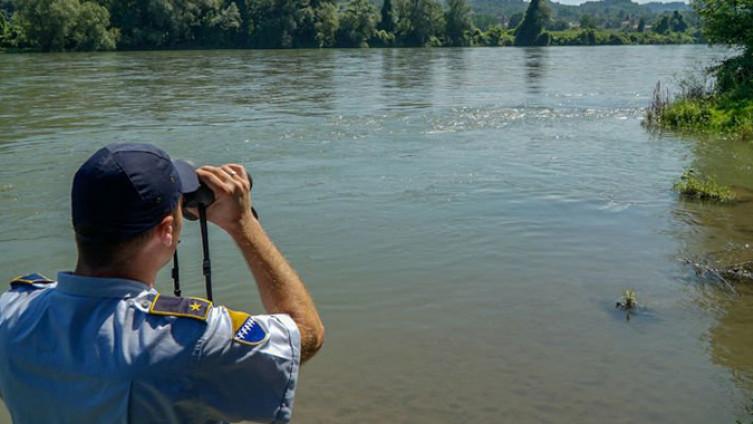 Migrante čamcem prevezli preko Drine