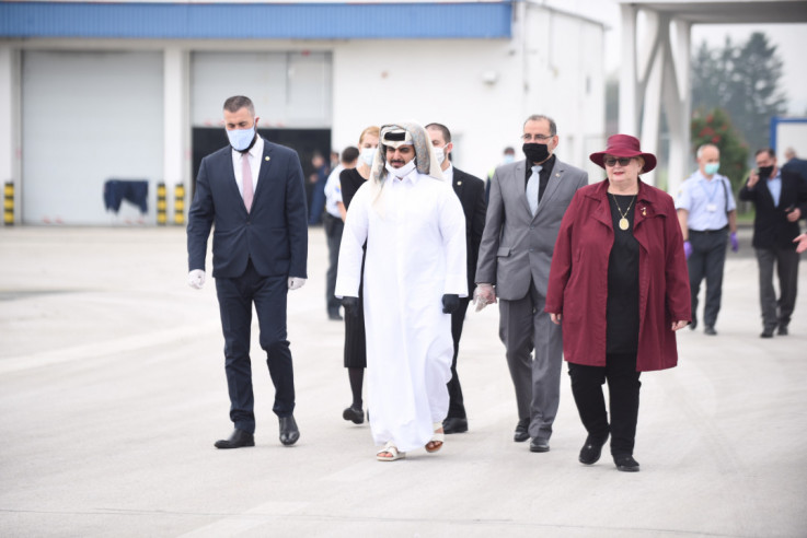 Turković na dočeku aviona iz Katara