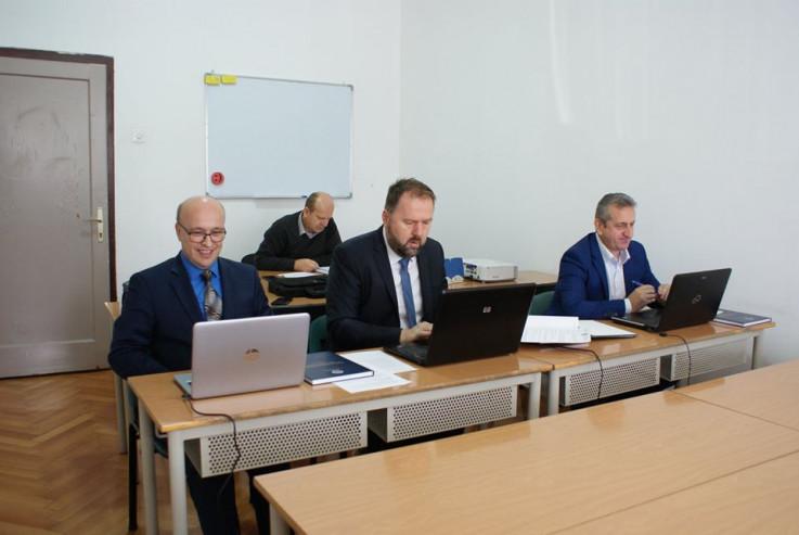 Sa odbrane rada u Zenici - Avaz, Dnevni avaz, avaz.ba