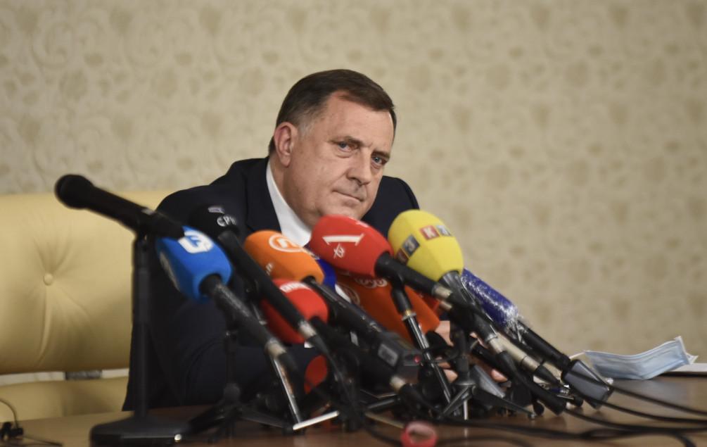 Dodik: Lako bi mogli donijeti odluku da propisi BiH neće važiti u RS, nek se ne igraju s tim - Avaz, Dnevni avaz, avaz.ba