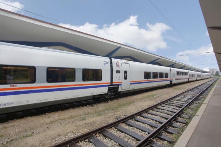Željeznice FBiH su u vozove (garniture i vagon) postavile dozatore sa dezinfekcionim sredstvom