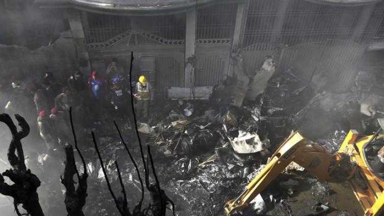 Karači: Stravične scene s mjesta događaja