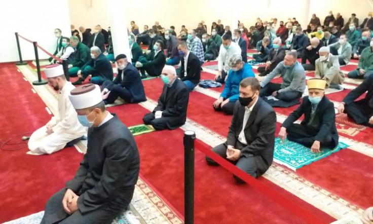 Bajram-namaz klanjan u više od 200 džamija