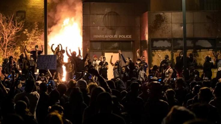 Mineapolis: Demonstranti su iza sebe ostavili pravu pustoš