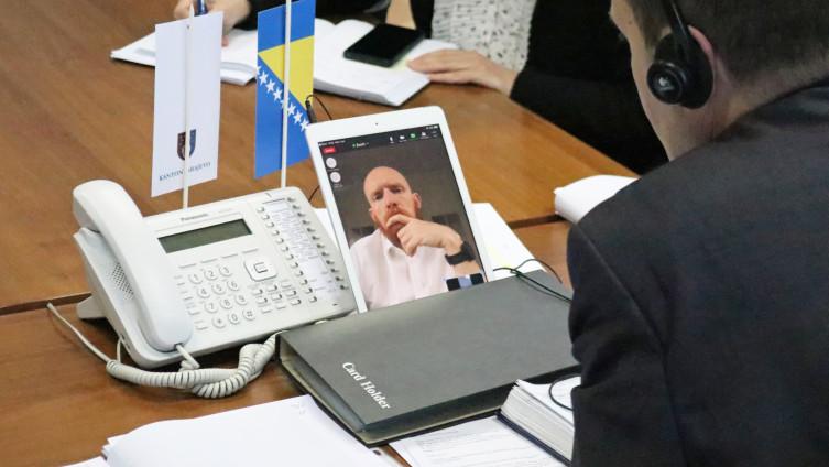 Online sastanak Nenadića i Filda
