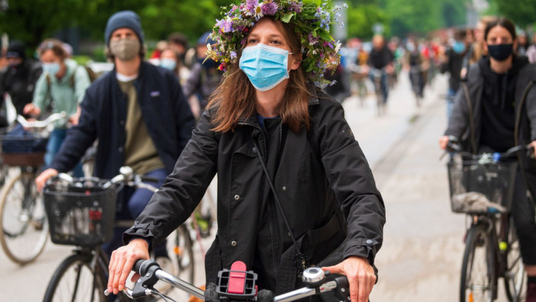 Masku na licu treba nositi ondje gdje nije moguće osigurati fizičku udaljenost od 1,5 metra