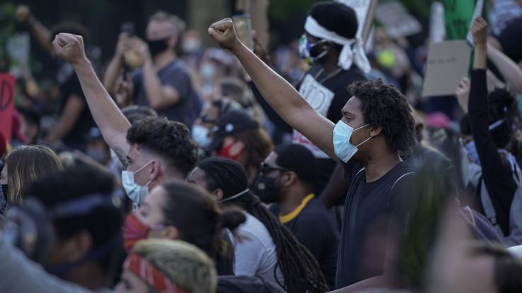 Demonstranti promarširali ulicama Vašingtona, Njujorka i Los Anđelesa
