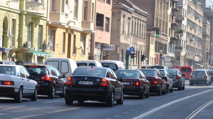 Kolovoz većine putnih pravaca u Bosni i Hercegovini jutros je mokar ili vlažan