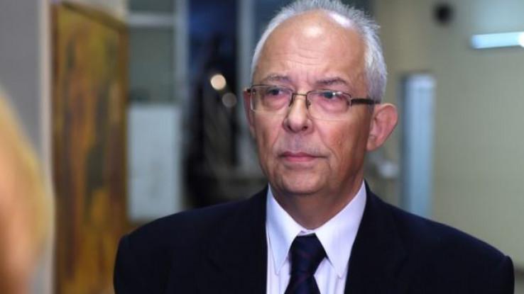 Dr. Kon: Rat protiv biološkog agensa
