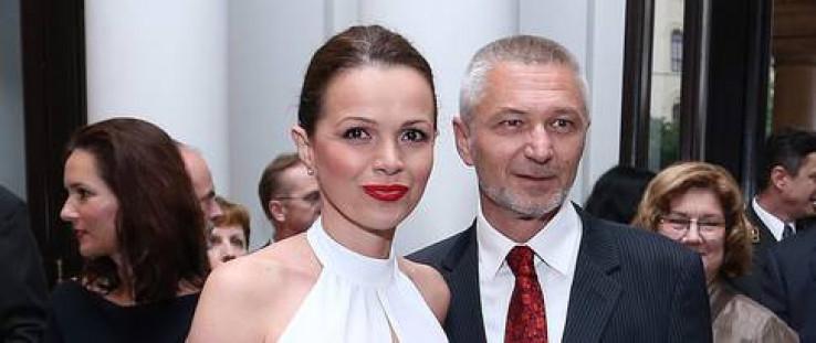 Bagarić sa suprugom - Avaz, Dnevni avaz, avaz.ba