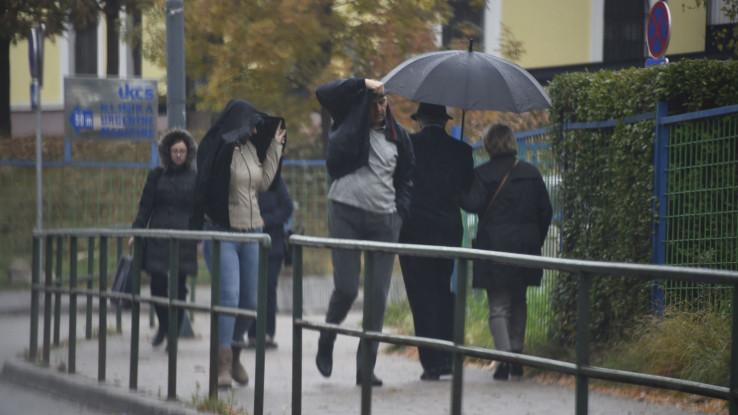 Sutra oblačno vrijeme sa kišom i pljuskovima u Bosni