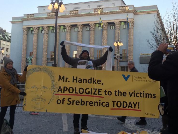 Handke negira genocid u Srebrenici i ubijanja u Sarajevu