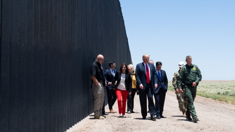 Tramp: Obišao dio zida na granici s Meksikom
