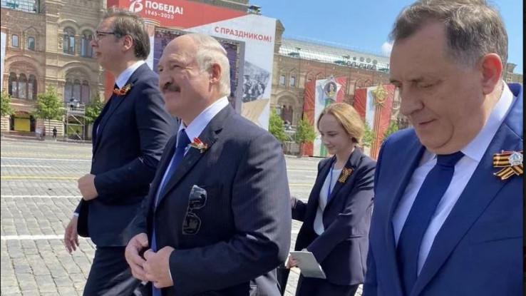 Dodik na paradi u Moskvi