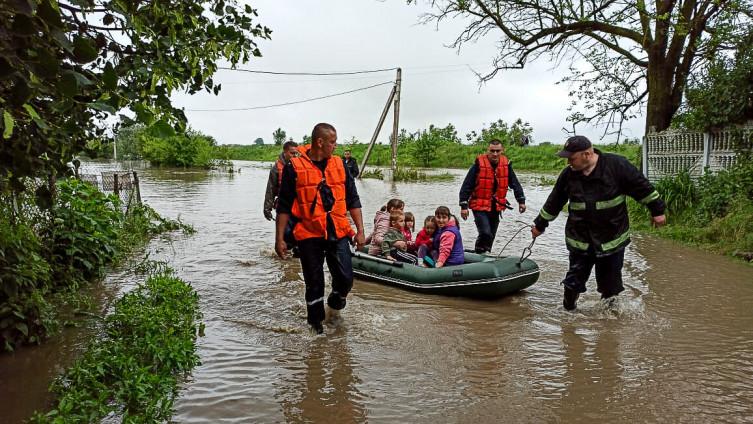Poplave su pogodile više od 200 gradova i sela
