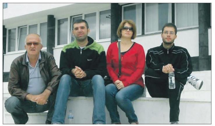 Husein s porodicom: Niko ga nije dvije godine posjetio u pritvoru