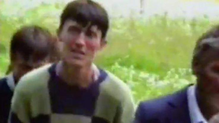 Omerov brat Hasan snimljen 16. jula u Nezuku, u trenutku kada kolona izlazi na slobodni teritorij