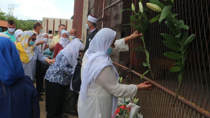 Položili cvijeće i proučili Fatihu