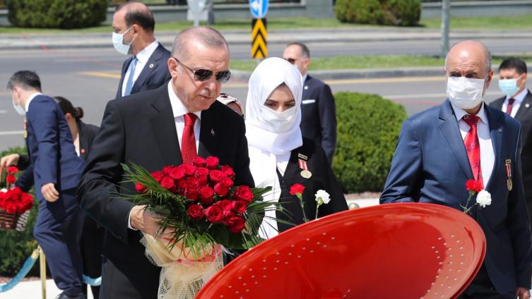 Erdoan položio cvijeće