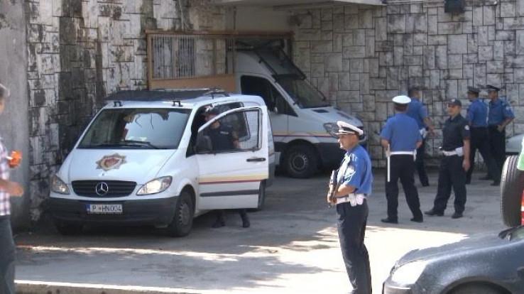 crna gora policija - crni bombarder