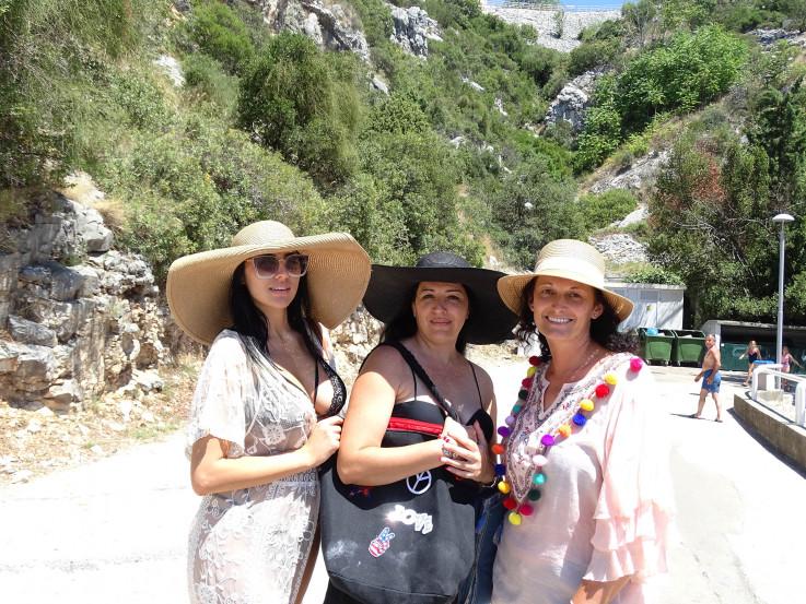 Ivana,  Andreana  i Tijana:  Pozitivno  iznenađene
