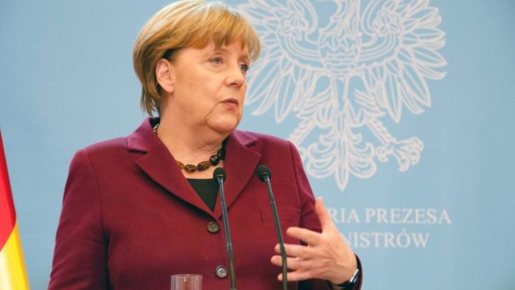 Merkel:  Telefonirala sa turskim predsednikom Erdoanom